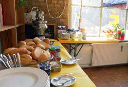 Buffet beim Familienfrühstück am Wochenende