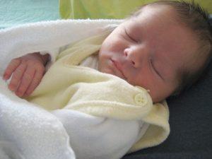 ein Baby schläft